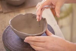 伝統工芸の技術習得で奨励金も