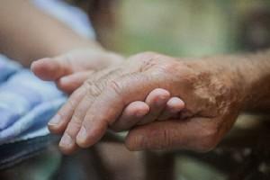 老後破産をした場合にまずすべきことは?(イメージ)