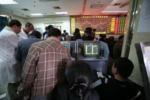 上海総合指数は4月高値を更新