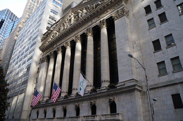 今夏の米国債「逆イールド」のメカニズムとは(ニューヨークのウォールストリート)