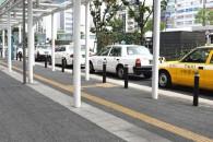 若者がタクシーに乗るのは贅沢なのか?(写真はイメージ)