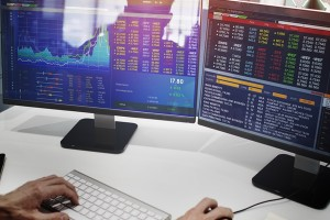 小型株投資は急落リスクへの備えが必要