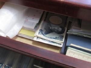 タンス預金、盗難リスクにどう備える?
