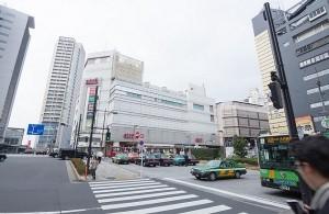 駅ビルには「アトレ」が入っており、買い物も便利な目黒