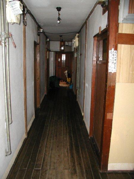当時、中川淳一郎氏が住んでいた家賃3万円のアパートの中
