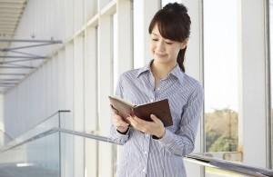 芸能マネージャー、月給の相場は20万~30万円程度か