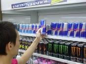 小学生も常飲するエナジードリンク そのリスクと対策は?