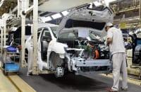 「技術の日産」復活の鍵となるのは「電気自動車技術」(中国工場の電気自動車組立ライン。写真:時事通信フォト)