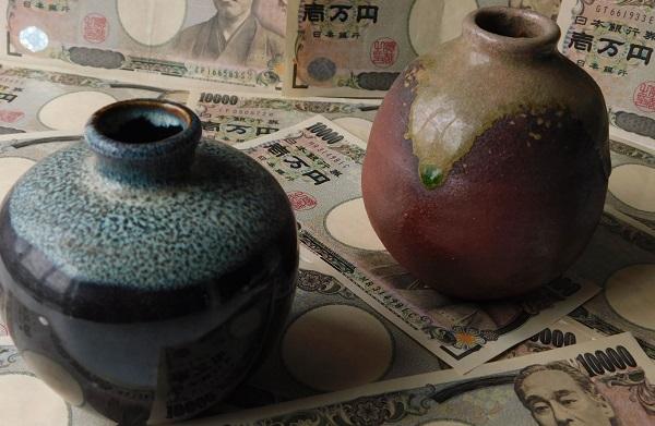 親の死後に見つかった骨董品が新たな相続トラブルの種に(イメージ)