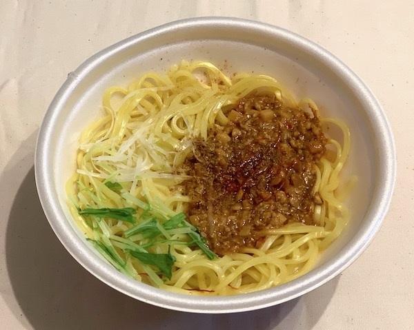 ローソンの「花椒が決め手!汁なし担々麺」