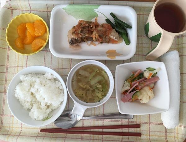 老人ホームの食事に「1日1920円の壁」のカラクリとは(イメージ)