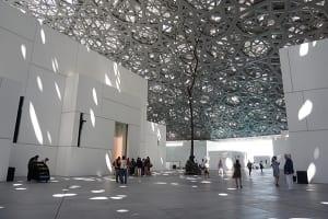 世界的に注目を集めるルーブル・アブダビ美術館