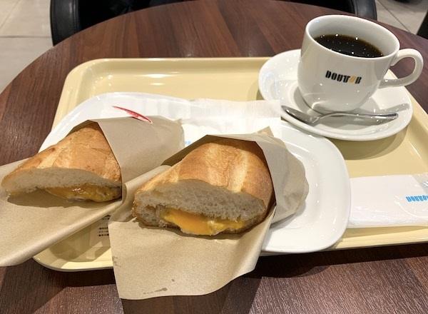 ドトールコーヒーの『ホットサンド ツナチェダーチーズ』