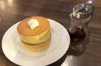 星乃珈琲店の定番デザート「窯焼きスフレパンケーキ」(ダブル)
