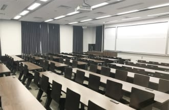 大学教授は教育と研究のどちらを重視するべきか