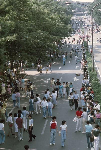1980年代の原宿の歩行者天国の様子(写真:時事通信フォト)