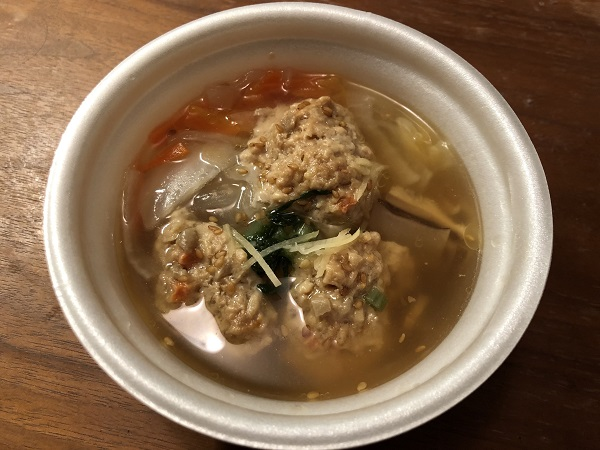 ごぼうと蓮根のつくね入り和風スープ