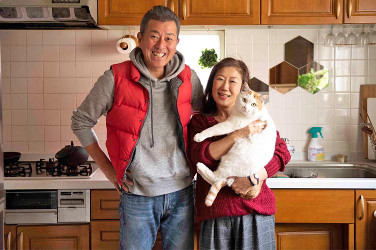 シニア向けのお見合いパーティーで出会い、交際半年後に入籍した野坂良治さん、明子さん夫妻(撮影:柴田愛子)
