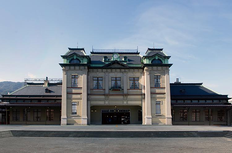 クラシックで優雅な駅舎に生まれ変わった門司港駅