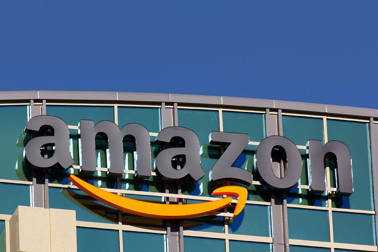 Amazon他、米国の巨大企業の規模と成長スピードは(写真:アフロ)