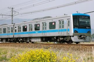 小田急線の大パニックはなぜ起こったのか(写真:アフロ)