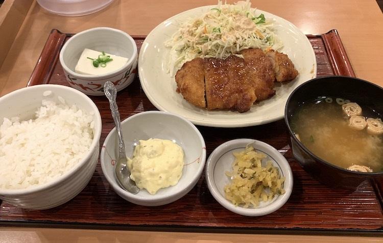 やよい軒の『チキン南蛮定食』