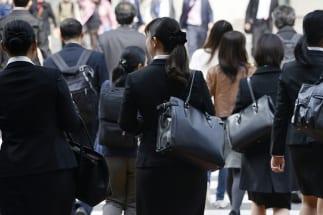女性が働くようになったのは女性活躍推進の政策のおかげではない(写真:時事通信フォト)