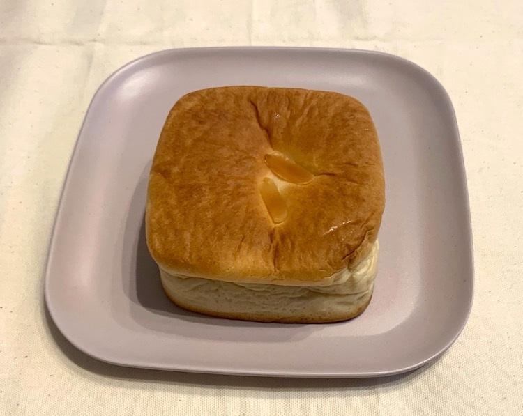 ローソンの『マチノパン Wクリーム角パン』
