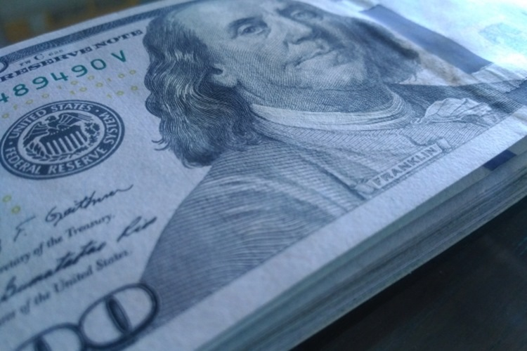 インフレ関連の指標発表には注意しつつもドルは底堅い展開が予想される