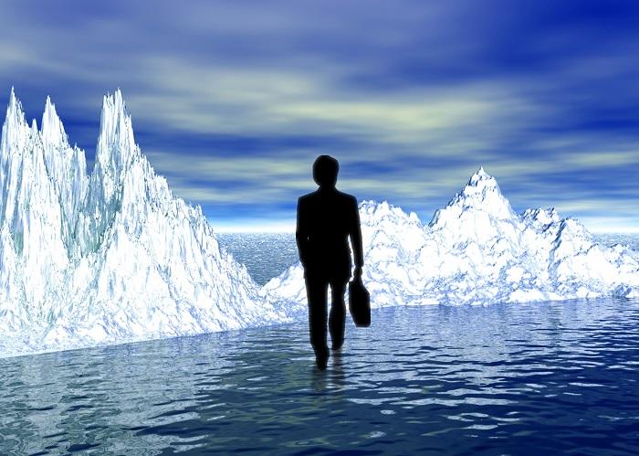 働き盛りの就職氷河期世代は再び苦境に…(イメージ)