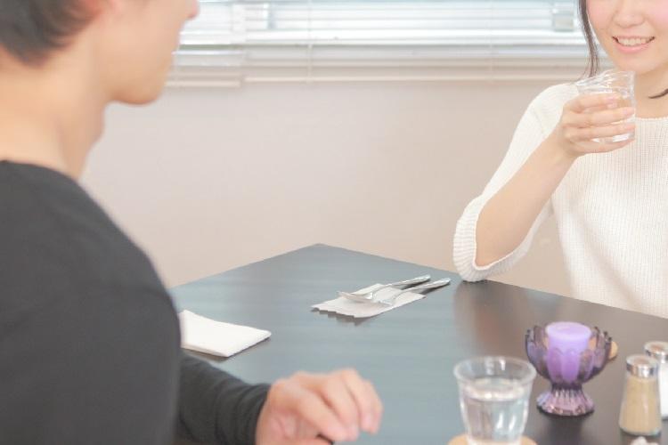 """結婚相談所とマッチングアプリ、それぞれを利用して見えた""""婚活のリアル""""とは(イメージ)"""