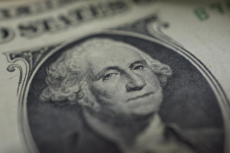 米利下げでドル売りの可能性はあるが、リスク要因は後退しつつある