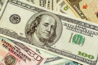 安倍首相辞任報道で、ドル円は1ドル=105円台まで急落…