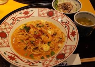 洋麺屋五右衛門の『たっぷり海老とモッツアレラチーズのトマトクリーム』