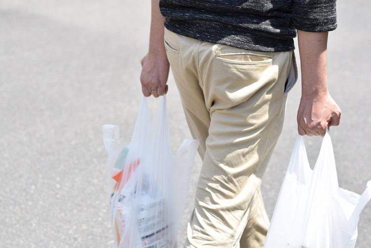 レジ袋は有料化の流れにあるが…