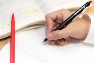 子供を勉強漬けにすることの是非は(イメージ)