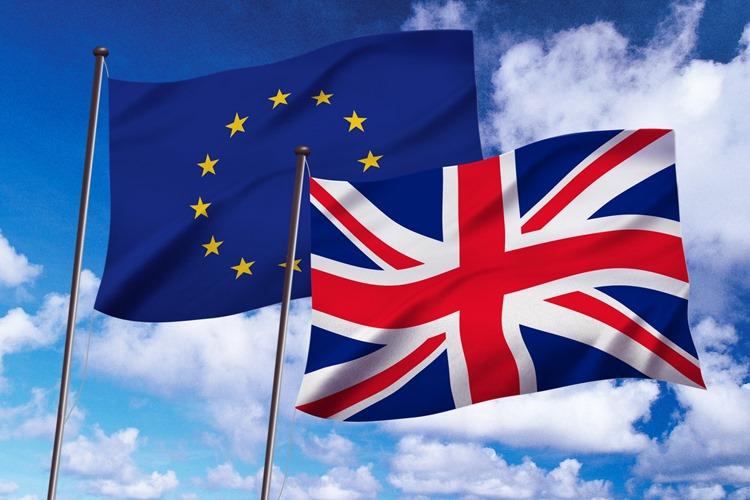 イギリスでは、EU離脱派の急先鋒ボリスジョンソン氏が新首相に