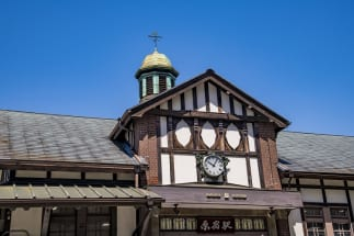 都内最古の木造駅舎のある原宿駅は現在リニューアル中