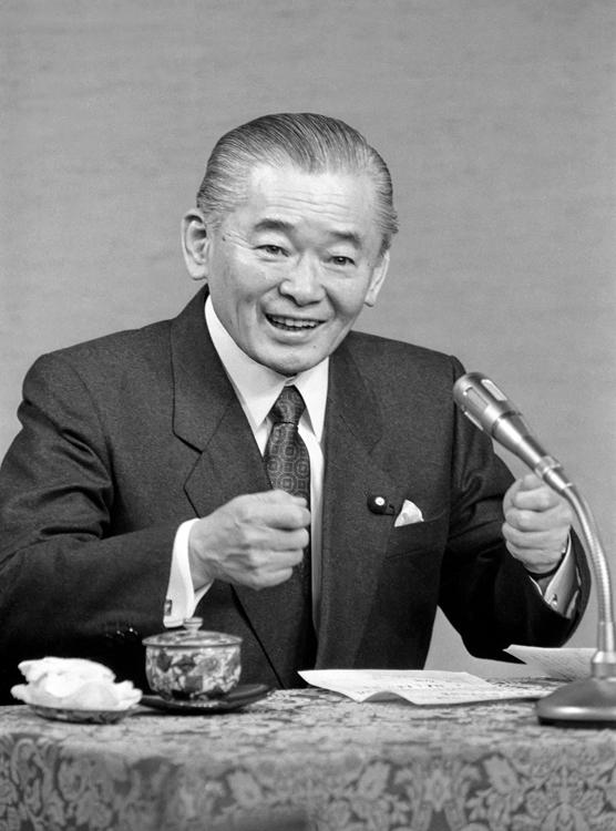1989年、消費税創設時の竹下登首相(写真:時事通信フォト)