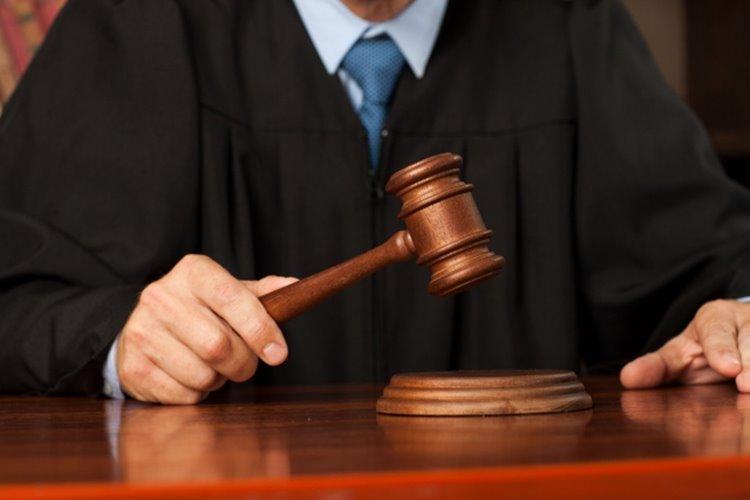 法廷では個性あふれる裁判官の名言を聞くことができる(イメージ)