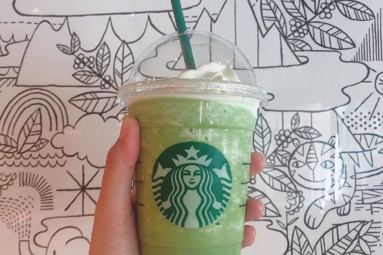 若者にとって「スタバ=コーヒー」ではない?(写真は抹茶クリームフラペチーノ)