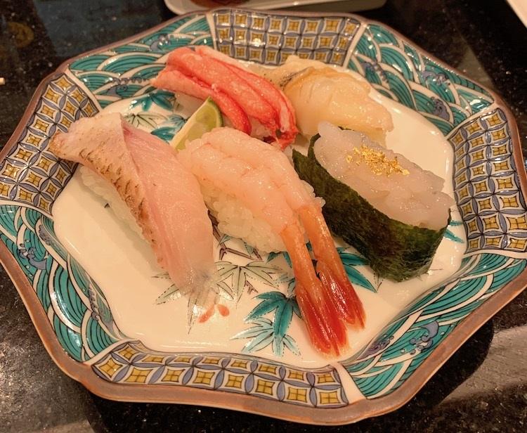 金沢まいもん寿司の「加賀百万石握り」(1320円)