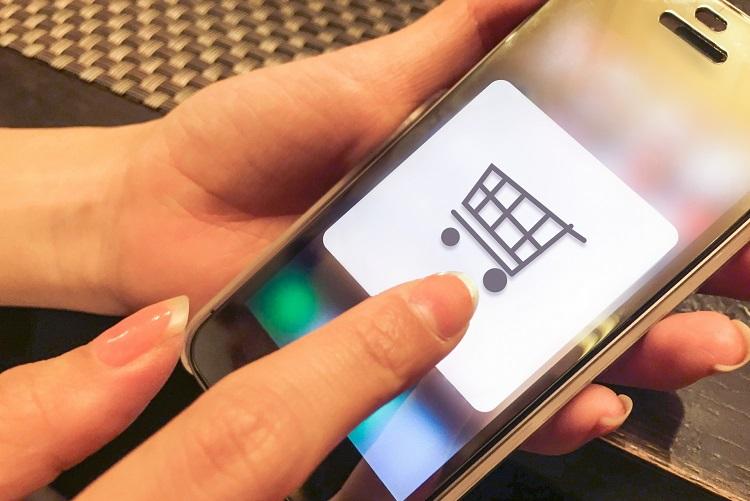 ネット通販が普及したことで買い物の価値観に変化も?(イメージ)