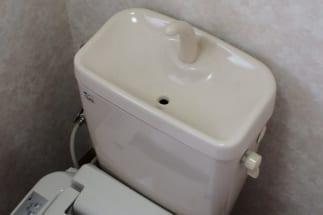トイレタンクにペットボトルを入れる節約術の効果は?