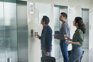 「エレベーターが来ない問題」は60秒から始まる(Getty Images)
