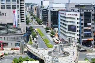 八王子市の人口は約58万人にものぼる(八王子駅北口)