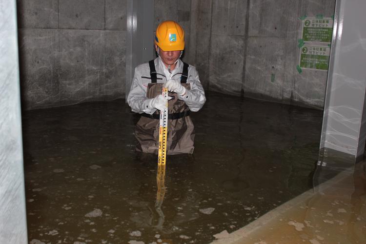 雨が降ると地下駐車場は「水深1m近くのプールのようになる」という(大津京ステーションプレイス)