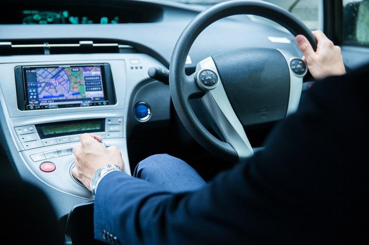 社用車を使っての営業活動にもいい点と悪い点があるようで… (イメージ)