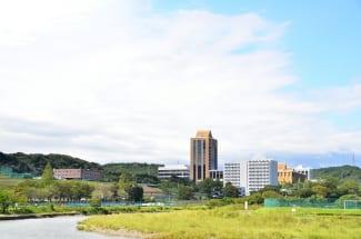 駿河台大学の周りは自然に溢れている