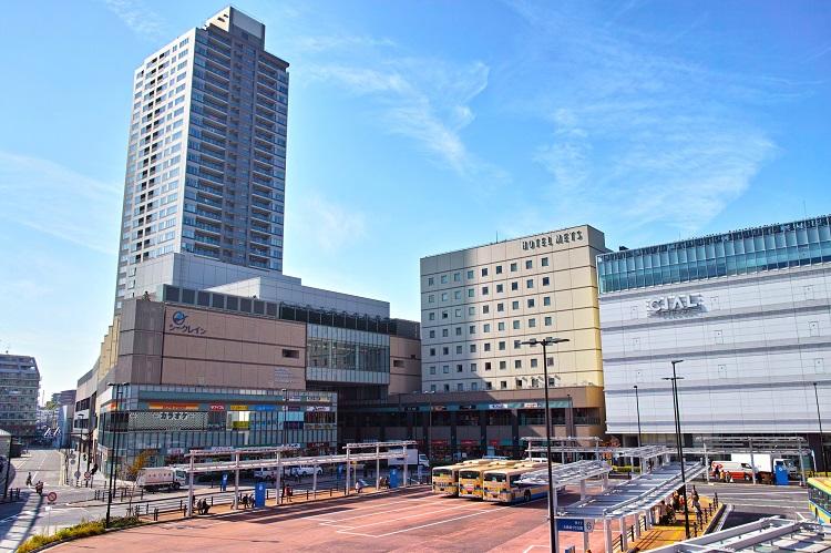 大都市へのアクセスも良く個性豊かな街(鶴見駅東口)